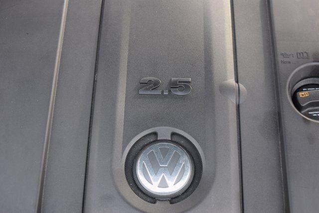 2011 Volkswagen Routan SEL Richmond Hill, New York 6