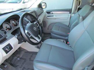 2011 Volkswagen Routan SE ,Camera , Navigation Sacramento, CA 12