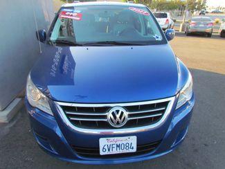 2011 Volkswagen Routan SE ,Camera , Navigation Sacramento, CA 3