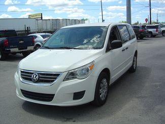 2011 Volkswagen Routan S San Antonio, Texas 1