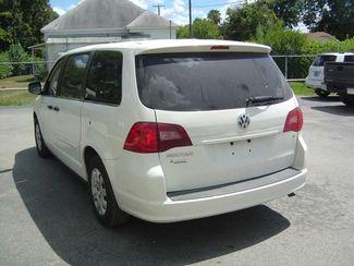 2011 Volkswagen Routan S San Antonio, Texas 7
