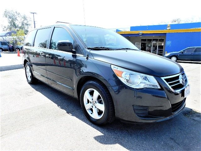 2011 Volkswagen Routan SEL wNavigation Limited warranty included to assure your worry-free purcha