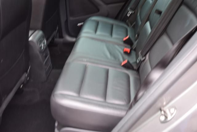 2011 Volkswagen Tiguan SEL 4Motion w/Premium Navi & Dynaudio Richmond Hill, New York 10