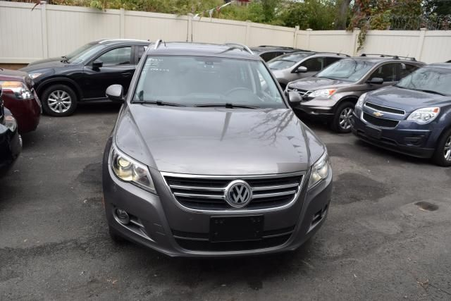 2011 Volkswagen Tiguan SEL 4Motion w/Premium Navi & Dynaudio Richmond Hill, New York 2