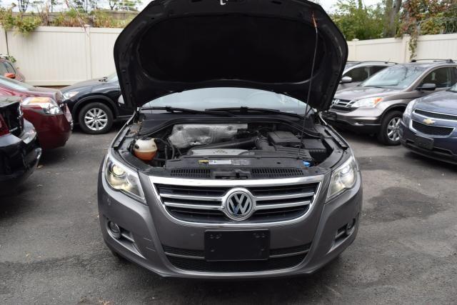 2011 Volkswagen Tiguan SEL 4Motion w/Premium Navi & Dynaudio Richmond Hill, New York 3