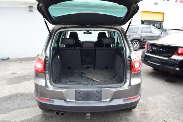 2011 Volkswagen Tiguan SEL 4Motion w/Premium Navi & Dynaudio Richmond Hill, New York 6