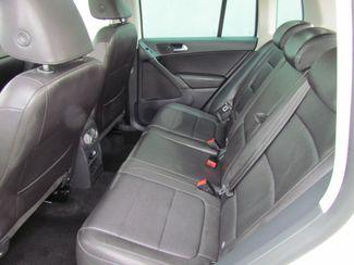 2011 Volkswagen Tiguan SE w/Sunroof , Navi Sacramento, CA 13