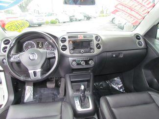 2011 Volkswagen Tiguan SE w/Sunroof , Navi Sacramento, CA 15