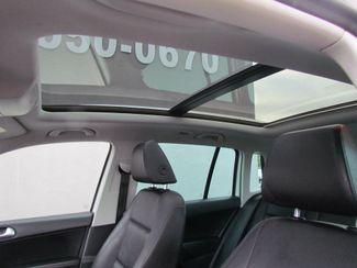 2011 Volkswagen Tiguan SE w/Sunroof , Navi Sacramento, CA 17