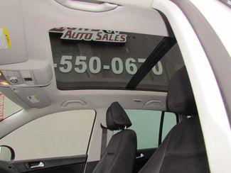2011 Volkswagen Tiguan SE w/Sunroof , Navi Sacramento, CA 18