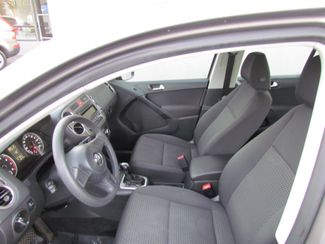 2011 Volkswagen Tiguan S Super Low Miles 56K Sacramento, CA 14