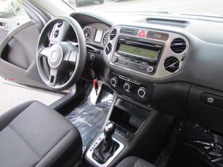 2011 Volkswagen Tiguan S Super Low Miles 56K Sacramento, CA 18