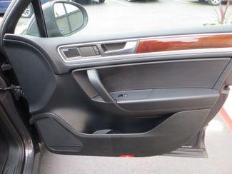 2011 Volkswagen Touareg Exec Watertown, Massachusetts 11