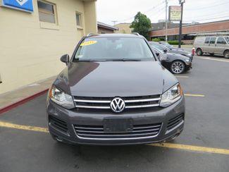 2011 Volkswagen Touareg Exec Watertown, Massachusetts 1