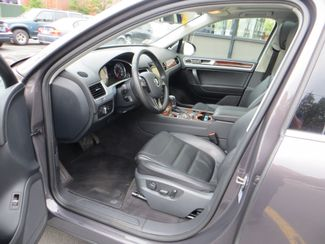 2011 Volkswagen Touareg Exec Watertown, Massachusetts 4
