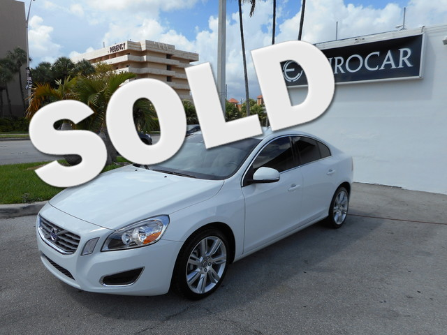 2011 Volvo S60 2011 Volvo S60 all wheel drive Ice White with soft beige leather interior Vehicle c