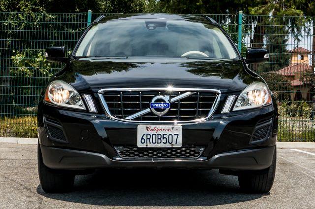 2011 Volvo XC60 3.2L - AUTO - 103K MILES - NEW TIRES Reseda, CA 8