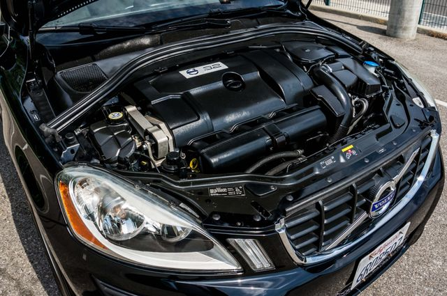 2011 Volvo XC60 3.2L - AUTO - 103K MILES - NEW TIRES Reseda, CA 34