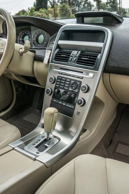 2011 Volvo XC60 3.2L - AUTO - 103K MILES - NEW TIRES Reseda, CA 19