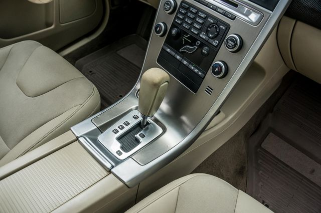 2011 Volvo XC60 3.2L - AUTO - 103K MILES - NEW TIRES Reseda, CA 23