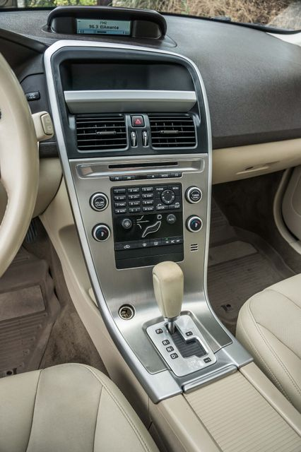 2011 Volvo XC60 3.2L - AUTO - 103K MILES - NEW TIRES Reseda, CA 21