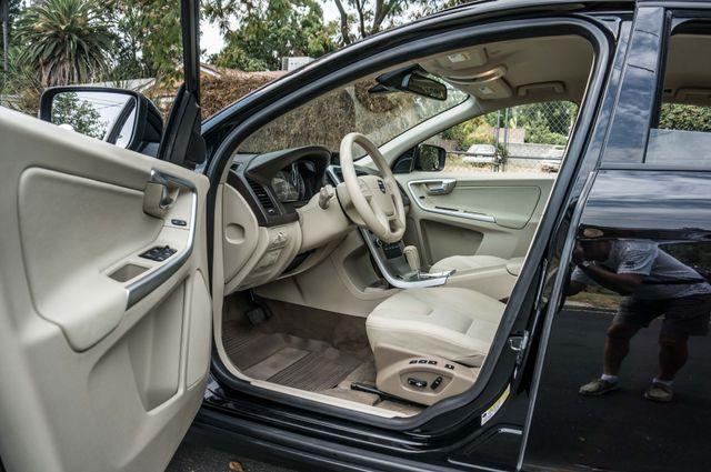 2011 Volvo XC60 3.2L - AUTO - 103K MILES - NEW TIRES Reseda, CA 14