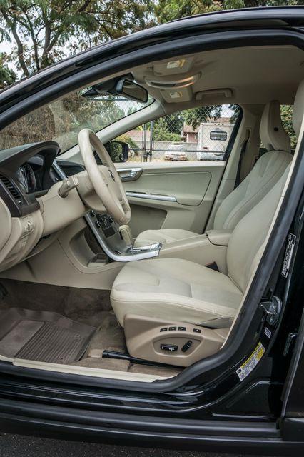 2011 Volvo XC60 3.2L - AUTO - 103K MILES - NEW TIRES Reseda, CA 31