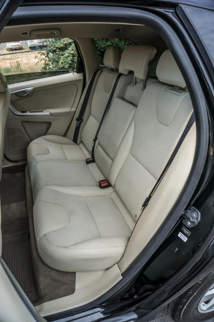 2011 Volvo XC60 3.2L - AUTO - 103K MILES - NEW TIRES Reseda, CA 26
