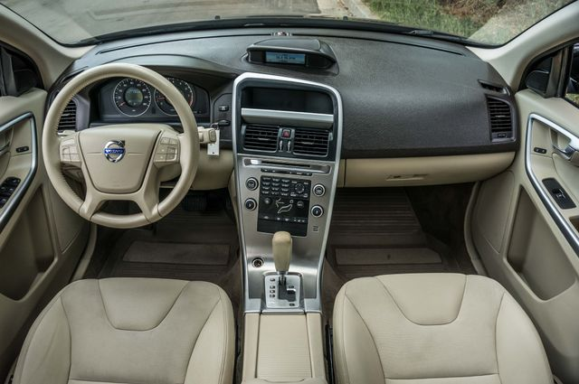 2011 Volvo XC60 3.2L - AUTO - 103K MILES - NEW TIRES Reseda, CA 17
