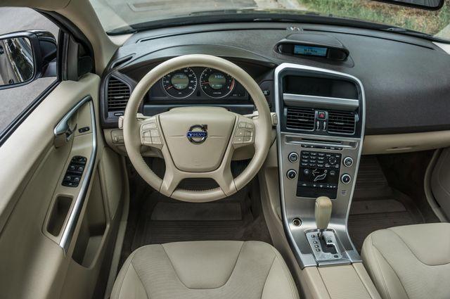 2011 Volvo XC60 3.2L - AUTO - 103K MILES - NEW TIRES Reseda, CA 18