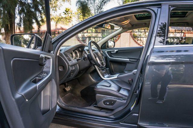 2011 Volvo XC60 3.2L - PREMIUM - NAVI - 83K MILES Reseda, CA 12