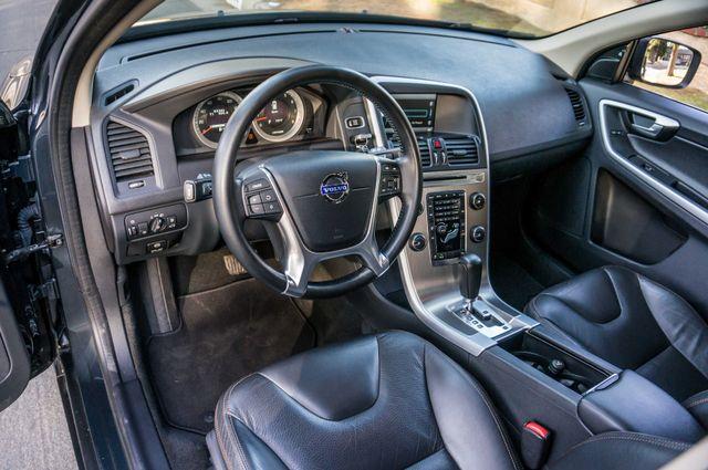 2011 Volvo XC60 3.2L - PREMIUM - NAVI - 83K MILES Reseda, CA 14