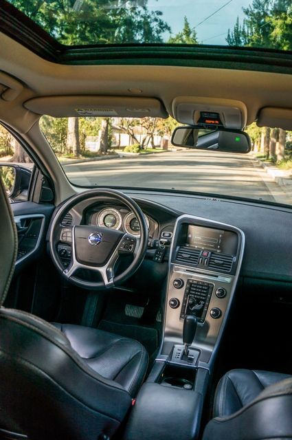 2011 Volvo XC60 3.2L - PREMIUM - NAVI - 83K MILES Reseda, CA 36