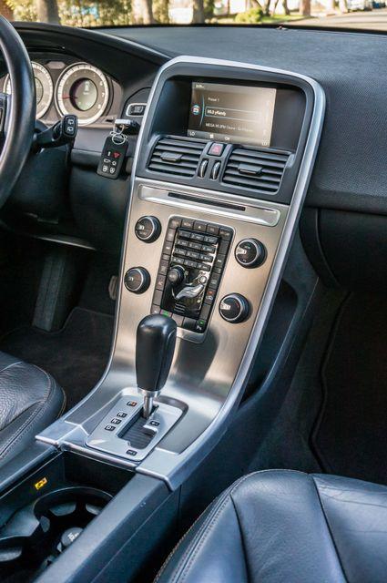 2011 Volvo XC60 3.2L - PREMIUM - NAVI - 83K MILES Reseda, CA 21