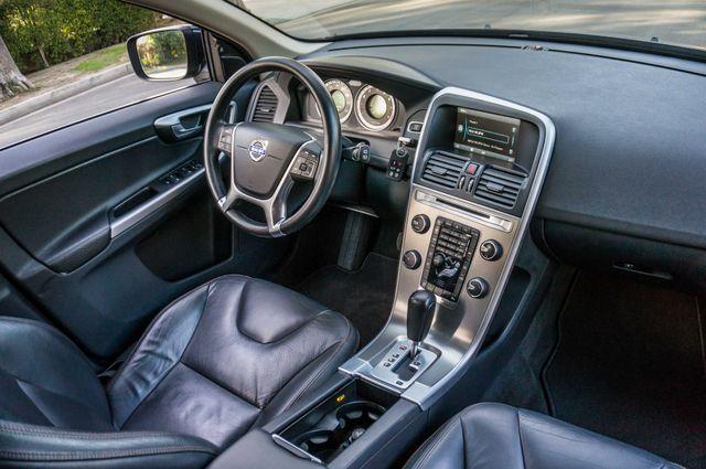 2011 Volvo XC60 3.2L - PREMIUM - NAVI - 83K MILES Reseda, CA 34