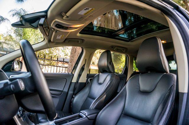 2011 Volvo XC60 3.2L - PREMIUM - NAVI - 83K MILES Reseda, CA 37