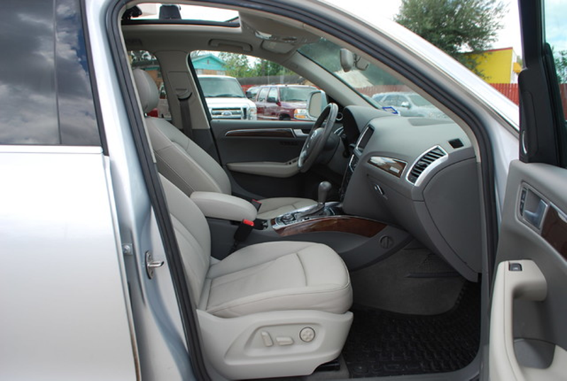 2012 Audi Q5 32L Premium Plus  Brownsville TX  English Motors  in Brownsville, TX