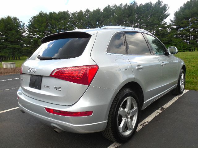 2012 Audi Q5 2.0T Premium Plus Leesburg, Virginia 3