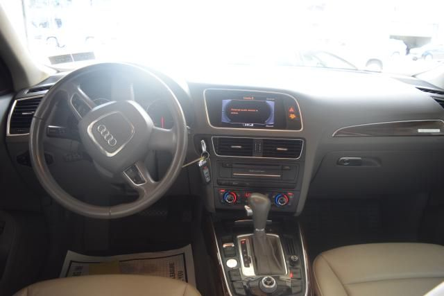 2012 Audi Q5 2.0T Premium Plus Richmond Hill, New York 8