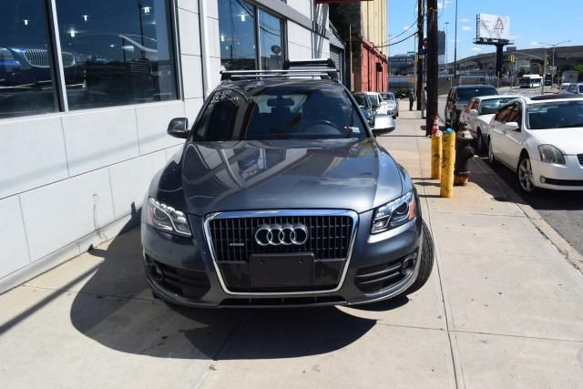 2012 Audi Q5 2.0T Premium Plus Richmond Hill, New York 2