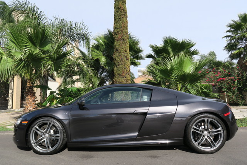 2012 Audi R8 V10 5.2 L QUATTRO in Houston Texas