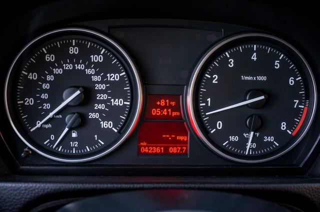 2012 BMW 328i  6SPD MANUAL - NAVI - 42K MILES - XENON Reseda, CA 30