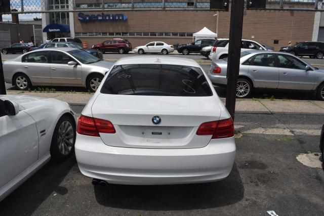 2012 BMW 328i xDrive 2dr Cpe 328i xDrive AWD SULEV Richmond Hill, New York 3