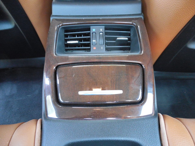 2012 BMW 335i xDrive  6 Speed Manual Sport Package Leesburg, Virginia 12