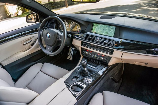 2012 BMW 535i 6SPD MANUAL - M-SPORT - NAVI - TECH PKG Reseda, CA 35