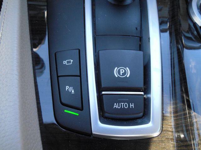 2012 BMW 550i Leesburg, Virginia 34