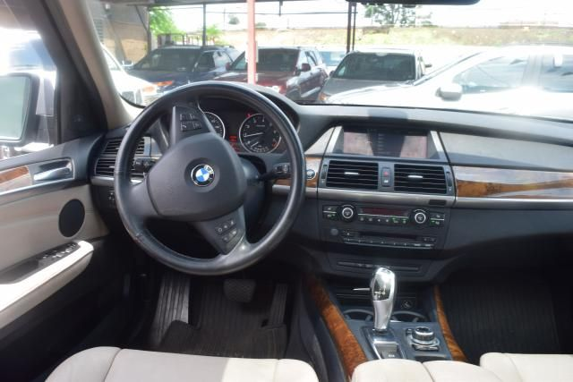 2012 BMW X5 xDrive50i 50i Richmond Hill, New York 10
