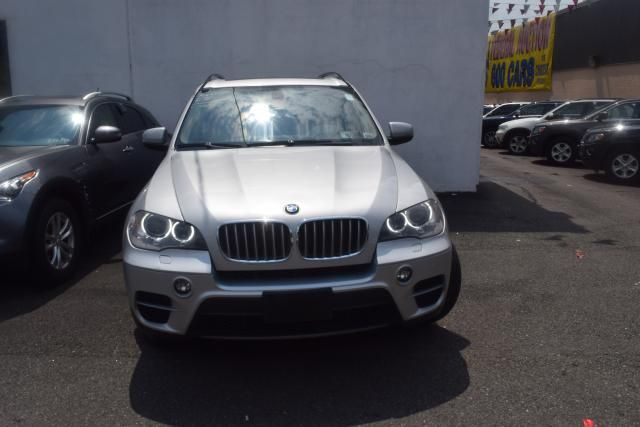 2012 BMW X5 xDrive50i 50i Richmond Hill, New York 2