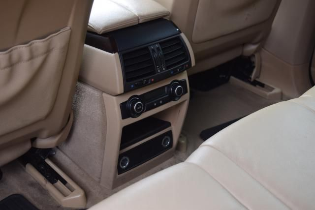 2012 BMW X5 xDrive50i 50i Richmond Hill, New York 11