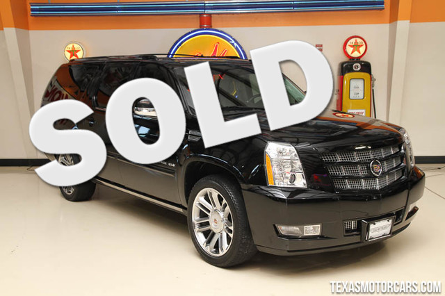 2012 Cadillac Escalade ESV Premium This Carfax 1-Owner 2012 Cadillac Escalade ESV Premium is in gr